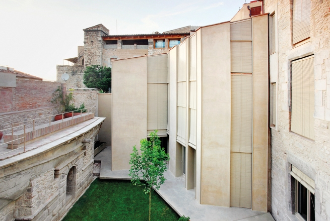 COLLAGE HOUSE, GIRONA, 2006-2010, photo José Hevia